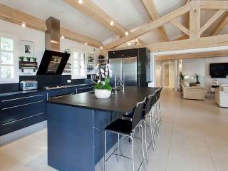 4 bedroom Villa in Chateauneuf-Grasse, Chateauneuf-Grasse, France : ref 2244671