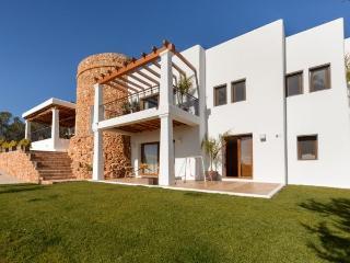 5 bedroom Villa in Sant Carles De Peralta, Santa Eulalia Del Rio, Baleares