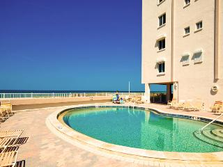 Gulf View: 2BR Condo on the Beach, Holmes Beach