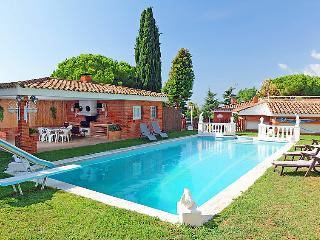 4 bedroom Villa in Sant Andreu de Llavaneres, Barcelona Costa Norte, Spain : ref 2253114, Sant Andreu de Llaveneres