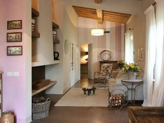Apartment in Settignano, Florence, Italy