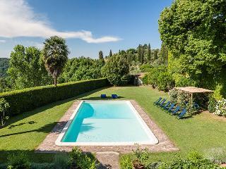 Villa in Valpromaro, Lucca, Italy, Migliano