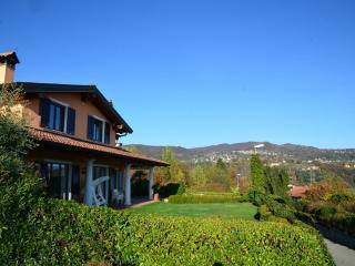 Villa in Meina, Near Meina, Lake Maggiore, Italy