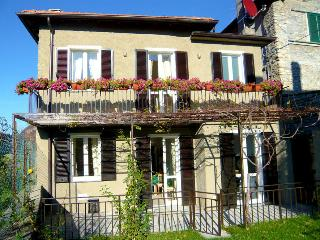 3 bedroom Villa in Varenna, Lake Como, Italy : ref 2259081