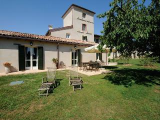 5 bedroom Villa in Peschiera del Garda, Veneto, Italy : ref 5455346