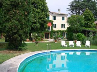 8 bedroom Villa in Verona, Near Maser And Asolo, Verona, Italy : ref 2259120, Crespignaga