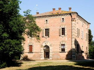 Villa in Imola, between Bologna and Ravenna, Italy