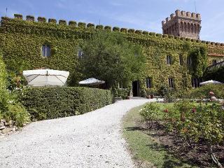 Villa in Campiglia Marittima, Tuscany, Italy, Venturina