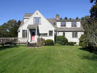 Charming & Airy in Orleans - 5-Minute Walk From Nauset Beach