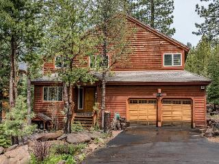 Light-Filled, Newly Remodeled Tahoe Donner Cabin, Near Skiing and Downtown