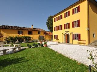 Villa in Massa E Cozzile, Tuscany, Italy, Massa e Cozzile