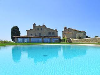 4 bedroom Villa in Arezzo, Tuscany, Italy : ref 5477210