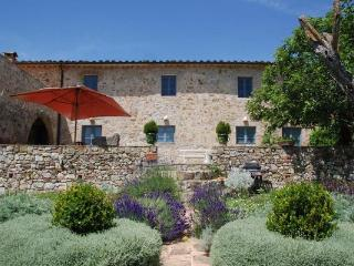 6 bedroom Villa in Colle di Val d'Elsa, Tuscany, Italy : ref 5477004