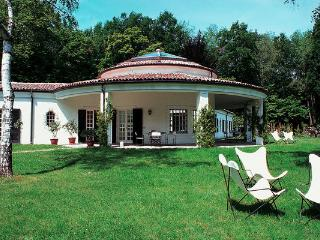 6 bedroom Villa in Dormelletto, Piedmont, Italy : ref 2268684