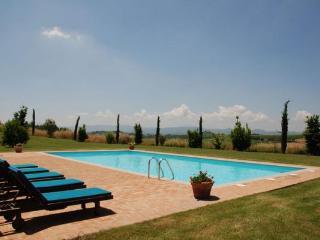 8 bedroom Villa in Camucia-Monsigliolo, Tuscany, Italy : ref 2269016, Cignano