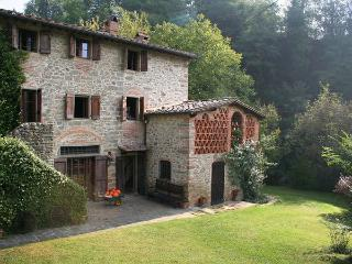 4 bedroom Villa in Ferraia, Tuscany, Italy : ref 2269052