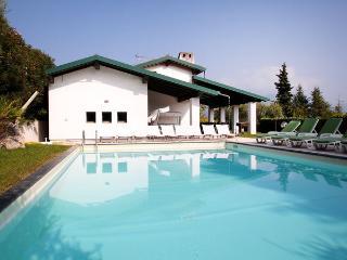 5 bedroom Villa in Paradiso, Lombardy, Italy : ref 2269777, San Felice del Benaco