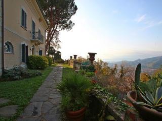 Villa in Massa, Tuscany, Italy
