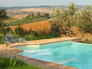4 bedroom Villa in Castiglione d'Orcia, Tuscany, Italy : ref 5477658