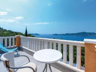 4 bedroom Villa in Dubrovnik-Trsteno, Dubrovnik Riviera, Croatia : ref 2278645
