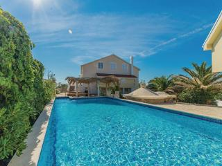 8 bedroom Villa in Pag-Kosljun, Island Of Pag, Croatia : ref 2279094