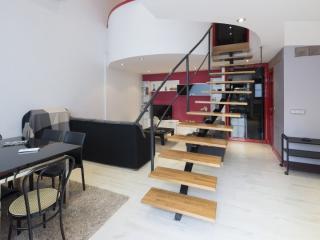 Modern Retiro II apartment in Retiro with WiFi & airconditioning.