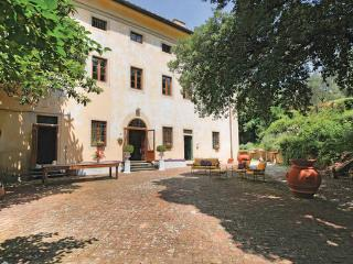 Villa in Pistoia, Montecatini / Pistoia And Surroundings, Italy, Serravalle Pistoiese