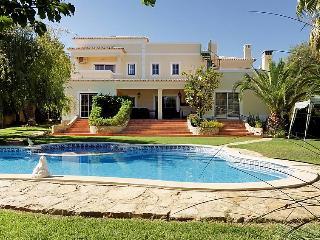 5 bedroom Villa in Porches, Algarve, Portugal : ref 2284248