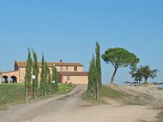 6 bedroom Villa in Murlo, Val D orcia, Tuscany, Italy : ref 2386941