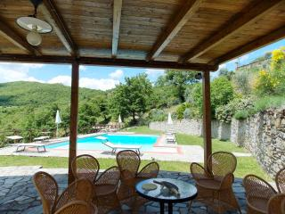 6 bedroom Villa in Arezzo, Arezzo and surroundings, Tuscany, Italy : ref 2293861