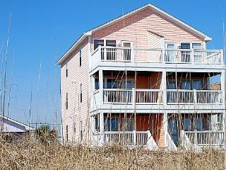 Coral Cottage-Gorgeous 3 Bedroom Oceanfront, Carolina Beach