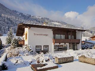 8 bedroom Villa in Aschau im Zillertal, Zillertal, Austria : ref 2295440