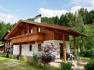 5 bedroom Villa in Gerlos, Zillertal, Austria : ref 2295452