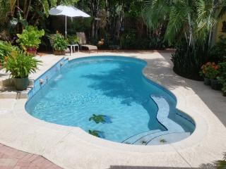 3 BR, Private Tropica Oasis With Pool, Fort Lauderdale