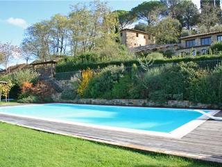 3 bedroom Villa in Poggibonsi, Tuscany, Poggibonsi, Italy : ref 2373493