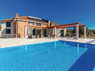 5 bedroom Villa in Pag-Novalja, Island Of Pag, Croatia : ref 2302458, Stara Novalja