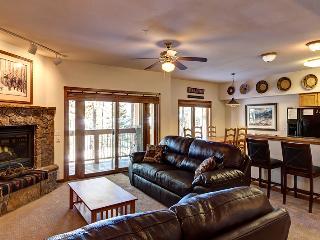 2 bedroom 2 bath with private garage. Lift access., Breckenridge