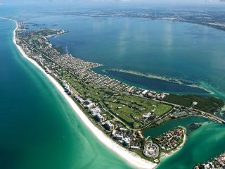 2 Bd/2 Ba Beach Bungalow, Exclusive Longboat Key (August 2018 Only)