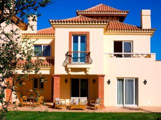 Villa in Vila Nova de Cacel, Algarve, Portugal, Vila Nova de Cacela