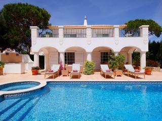 4 bedroom Villa in Varandas Do Lago, Algarve, Portugal : ref 2307493