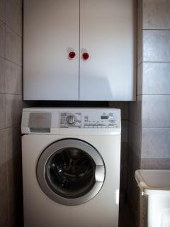 1st floor - bathroom - laundry