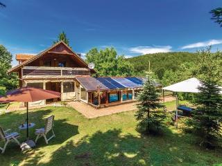 3 bedroom Villa in Plitvicka Jezera, Kvarner, Plitvice, Croatia : ref 2089141, Jezerce