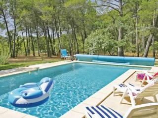 3 bedroom Villa in Pernes Les Fontaines, Provence DrOme ArdEche, Vaucluse, France : ref 2089662, La Roque sur Pernes