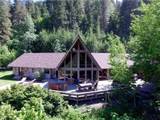 'Aspen Lodge' Spacious 5BR Leavenworth House w/Wifi, Private Hot Tub