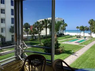 Beautifully maintained condo on the Gulf - 12 North, Siesta Key