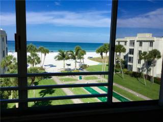 15 South, Siesta Key