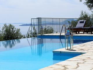 Villa Petros Corfu, Nissaki