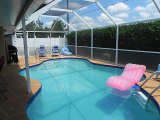 Villa Monica: Florida Pool-Home/Good Neighborhood