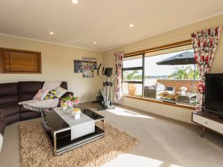 Quality & Luxury Holiday Home, Auckland Central