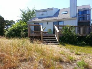 Waterfront! Central Air, New Deck, Fire Pit, Harwich